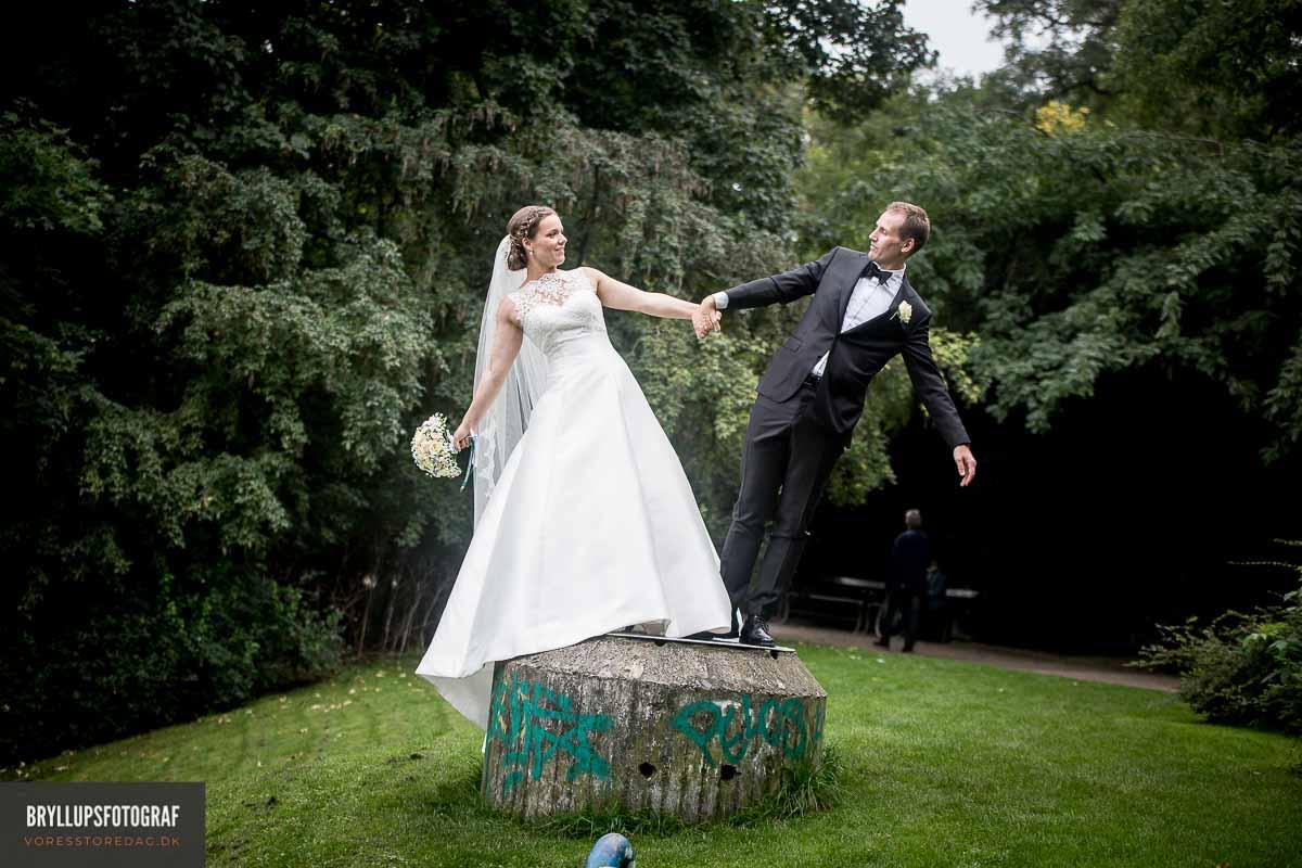 Han arbejder som bryllupsfotograf og tager vældigt smukke billeder af nygifte og forelskede par